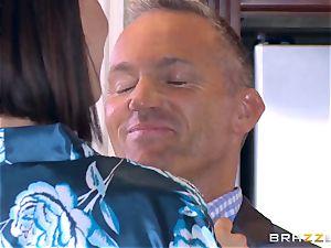 cheating wife Peta Jensen beaver thrashed by Bill Bailey