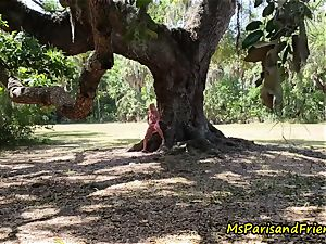 Ms Paris Finds Voyeurs in the Park
