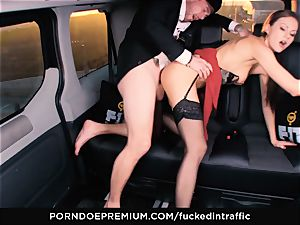 drilled IN TRAFFIC - Footjob and car fuck-a-thon with Tina Kay
