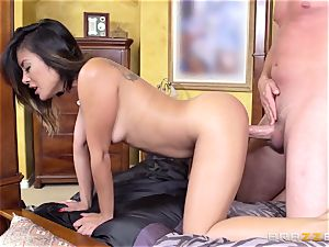 Kaylani Lei gets an unexpected humping