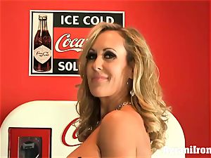 torn up Brandi love takes off and wanks