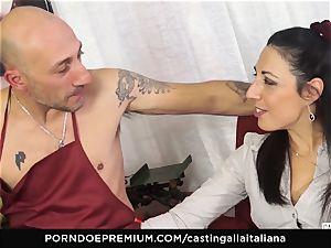 audition ALLA ITALIANA - Italian mummy new-comer luvs ass-fuck