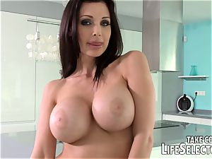 Meet Aletta Ocean and be clever to pummel her