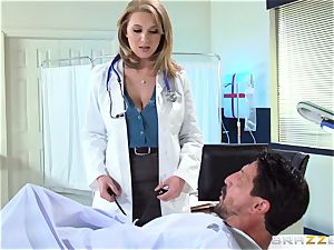 super-steamy medic Brooke Wylde makes this patient all better