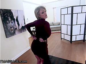 FantasyMassage milf Dee Williams point of view squirt massage