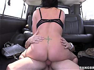 Isabella Madison pounds a stranger on a bus