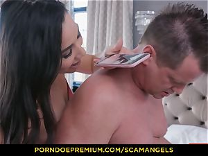 SCAM ANGELS - Melissa Moore and super-steamy friends in 4 way