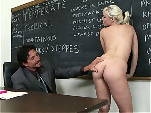 Classroom hotty Britney Amber gets a lesson in giving head