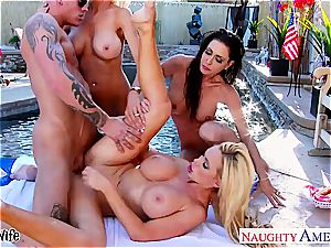 cool Nikki Benz tongues edible beaver and gets screwed