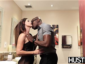 magnificent India Summers blasts after chomping down big black cock