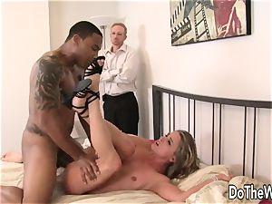 wifey Amanda blow spreads for ebony fuck-stick