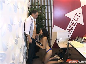 Ariana Marie at her daddys work getting boinked in his office