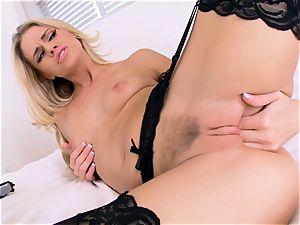 Jessa Rhodes masturbates in marvelous black underwear