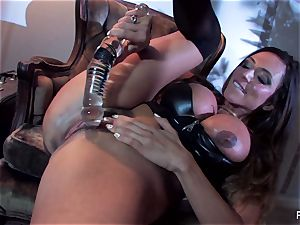 Ariella Ferrera ravages herself with a phat glass fucktoy