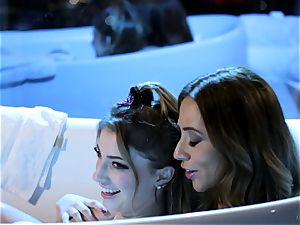 mummy and nubile Ariella Ferrera and Kristen Scott bathtub twat joy