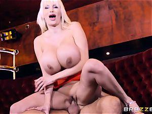 Keiran Lee dick stuffing Sandra star