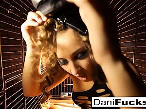Dani Daniels A trapped hoe inside A Dog box