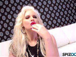 Spizoo - Phoenix Marie get a super-cute shag by Tony Ribas