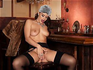 Lana Rhoades honeypot frigging herself